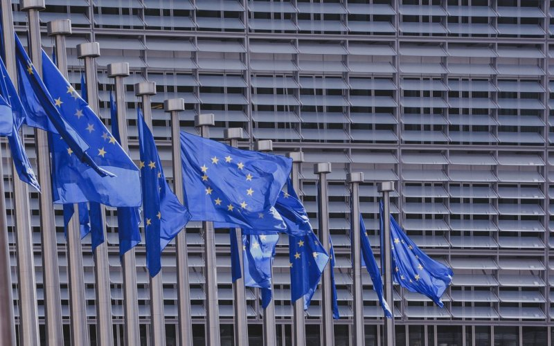 Proroghe UE sui titoli di guida e le certificazioni per gli autotrasportatori: facciamo il punto